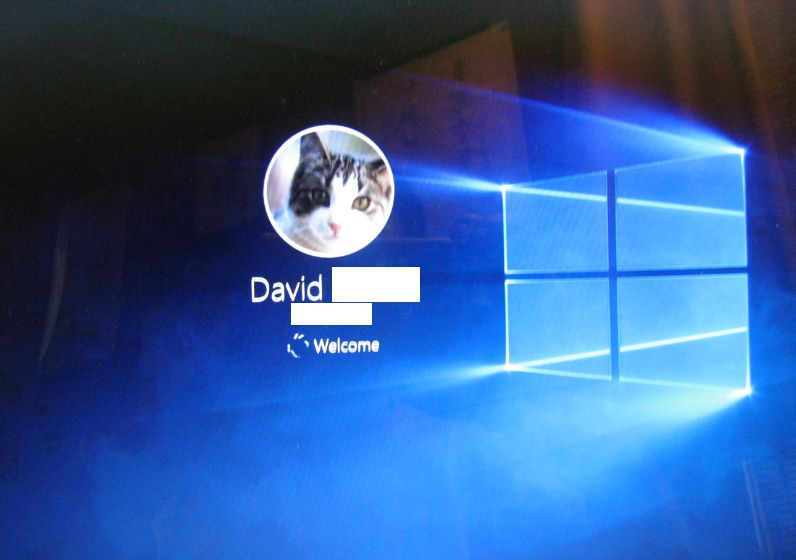how to change the opening screen in windows 10