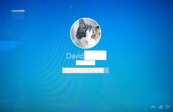 how to change picture windows 10 after lock screen